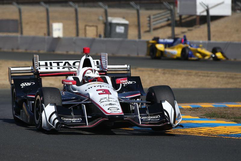 Helio Castroneves Leads Friday Verizon IndyCar Series